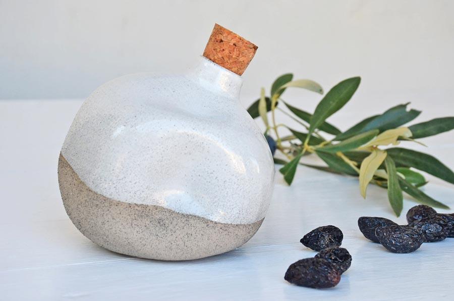 filion-handgemacht-keramik-kreta-flasche-lichtraum24-03