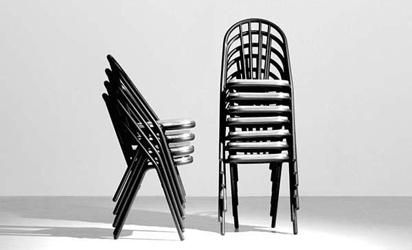 dcw-surpil-stuhl-stapelstuhl-bistrostuhl-aussenstuhl-SL10-SL9-stimmungsbild-10-lichtraum24