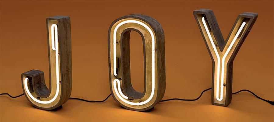 seletti-alphacrete-neonbuchstaben-beton-lichtraum24-joy-01